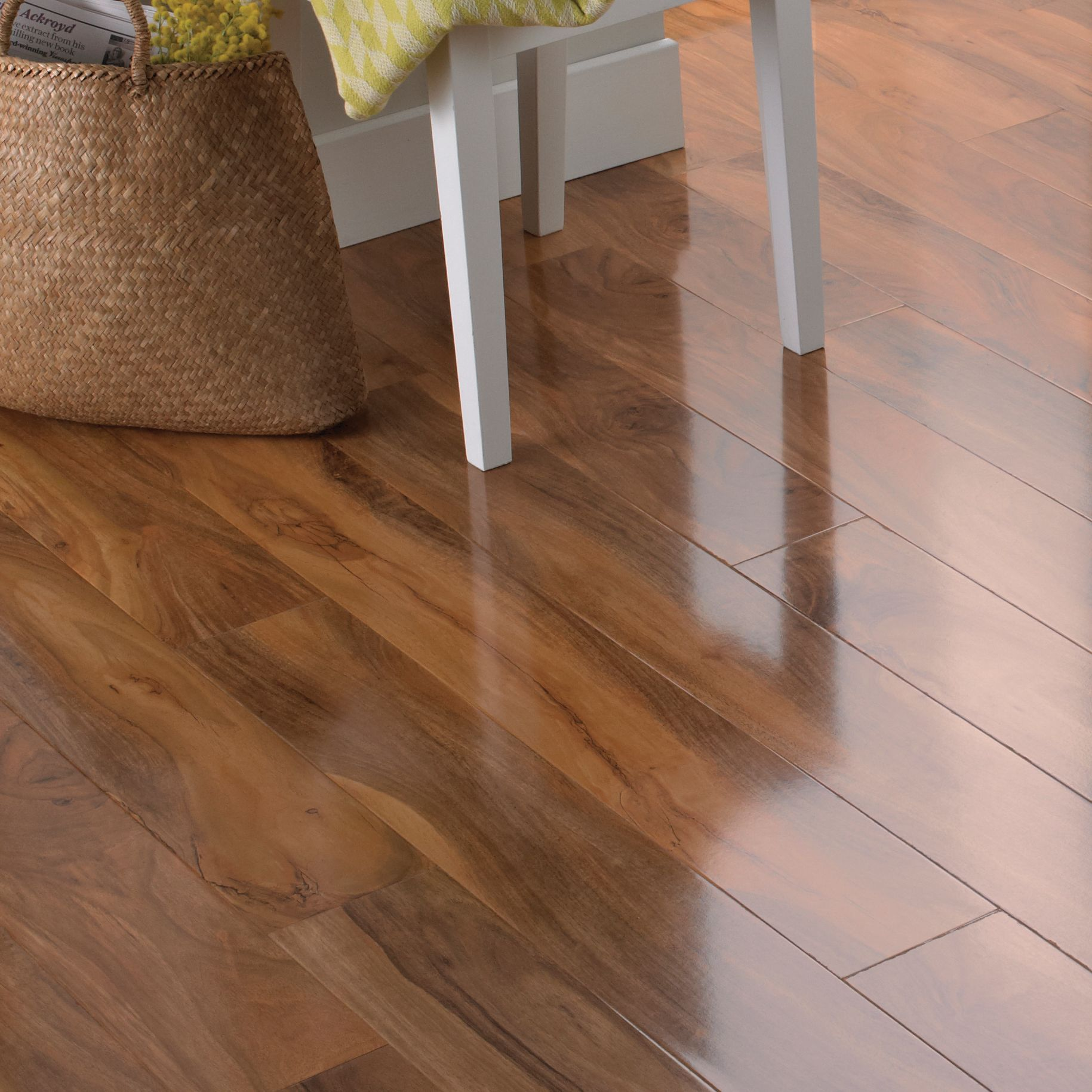 Dolce High Gloss Walnut Effect Laminate Flooring 1.19 m²