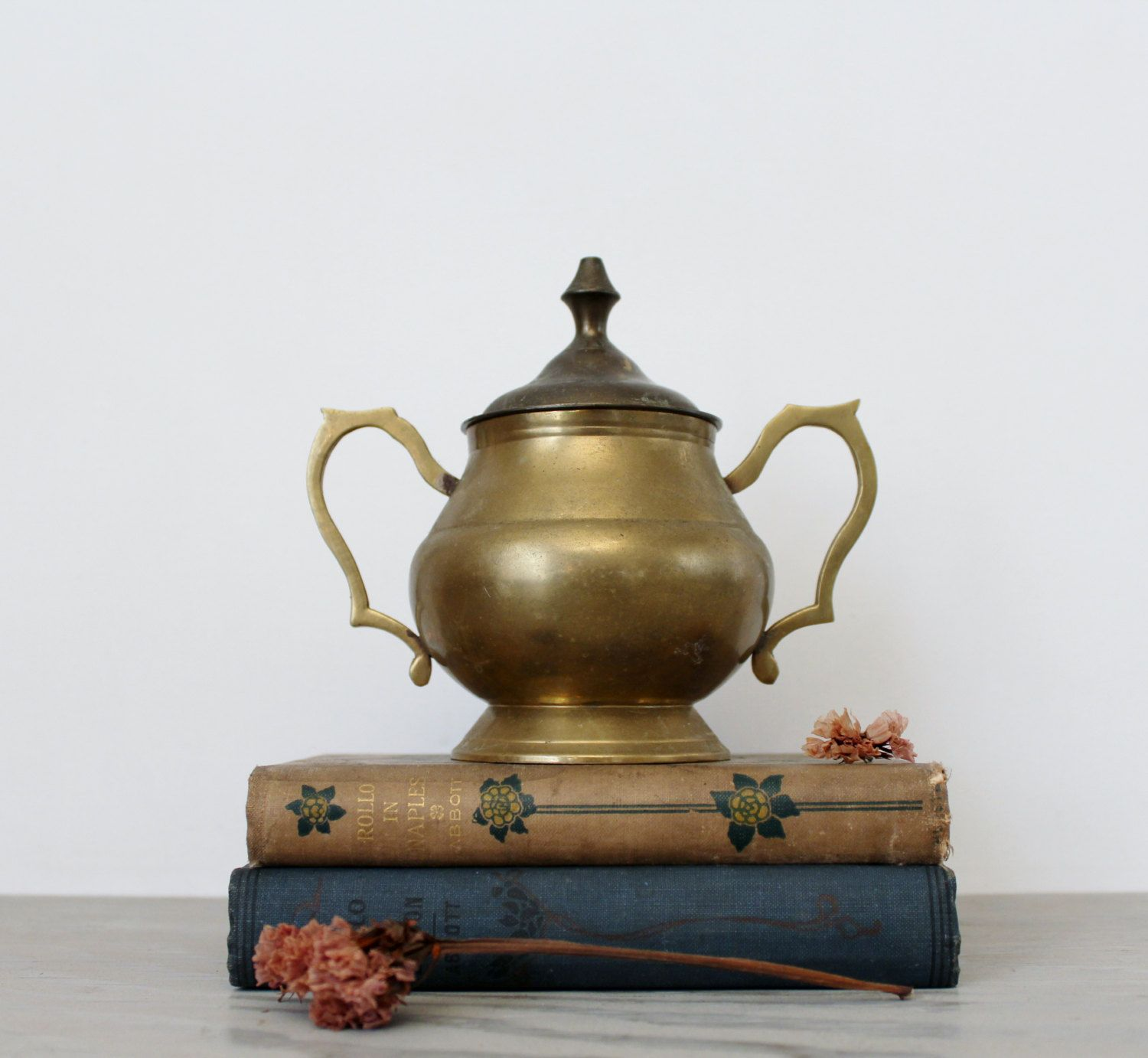Vintage brass footed sugar bowl commodore solid brass collection vintage brass footed sugar bowl commodore solid brass collection india brass two handle lidded reviewsmspy