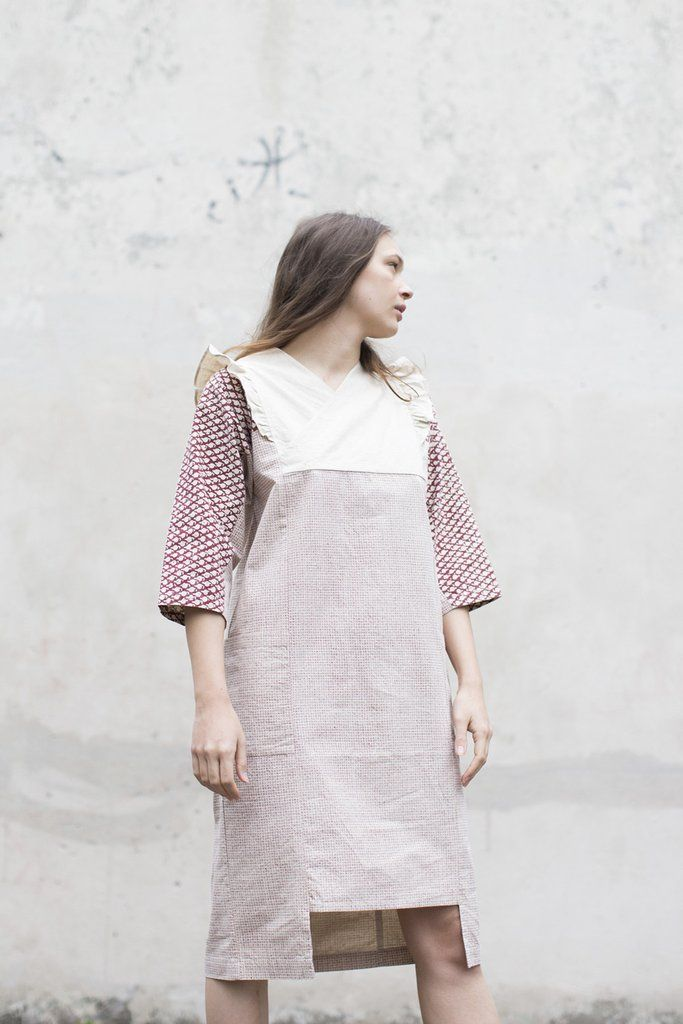 Cosmic Wonder Overlapping Collars Dress in Printed Red Canvas