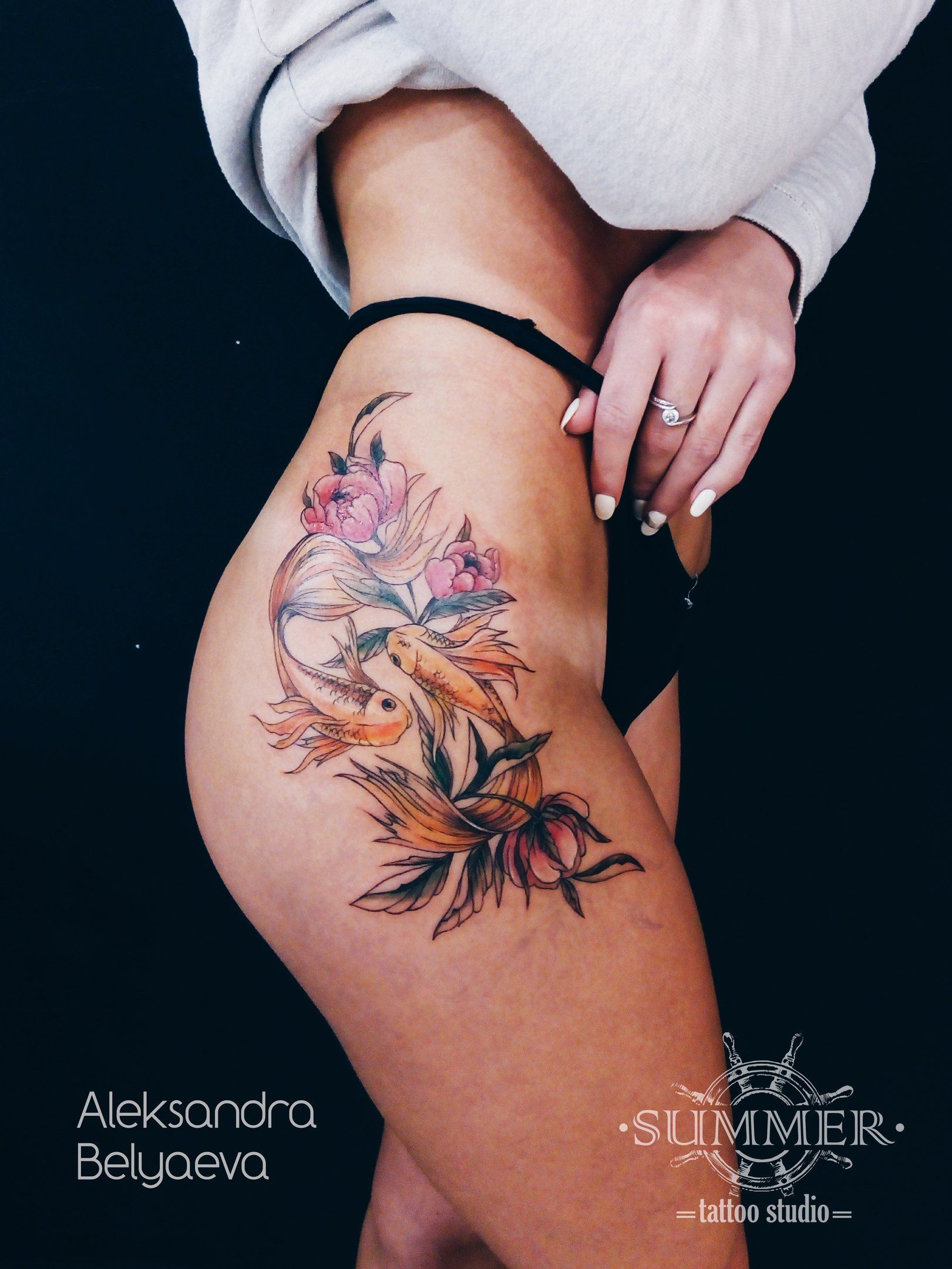 Pin By Madeleine Yost On Tattoos In 2020 Hip Tattoo Designs Flower Thigh Tattoos Thigh Tattoos Women