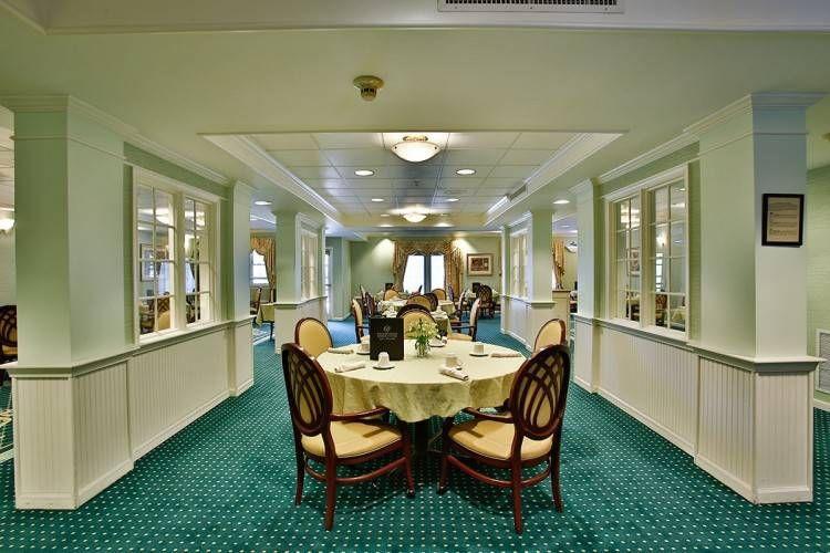 Nursing Home Dining Room Ideas in 2020 | Senior living ...