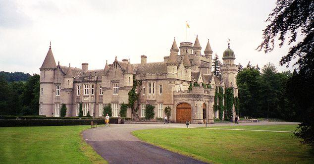 Queen Elizabeth Castle In London Ap Ii Can Keep Her Magnificent Scottish