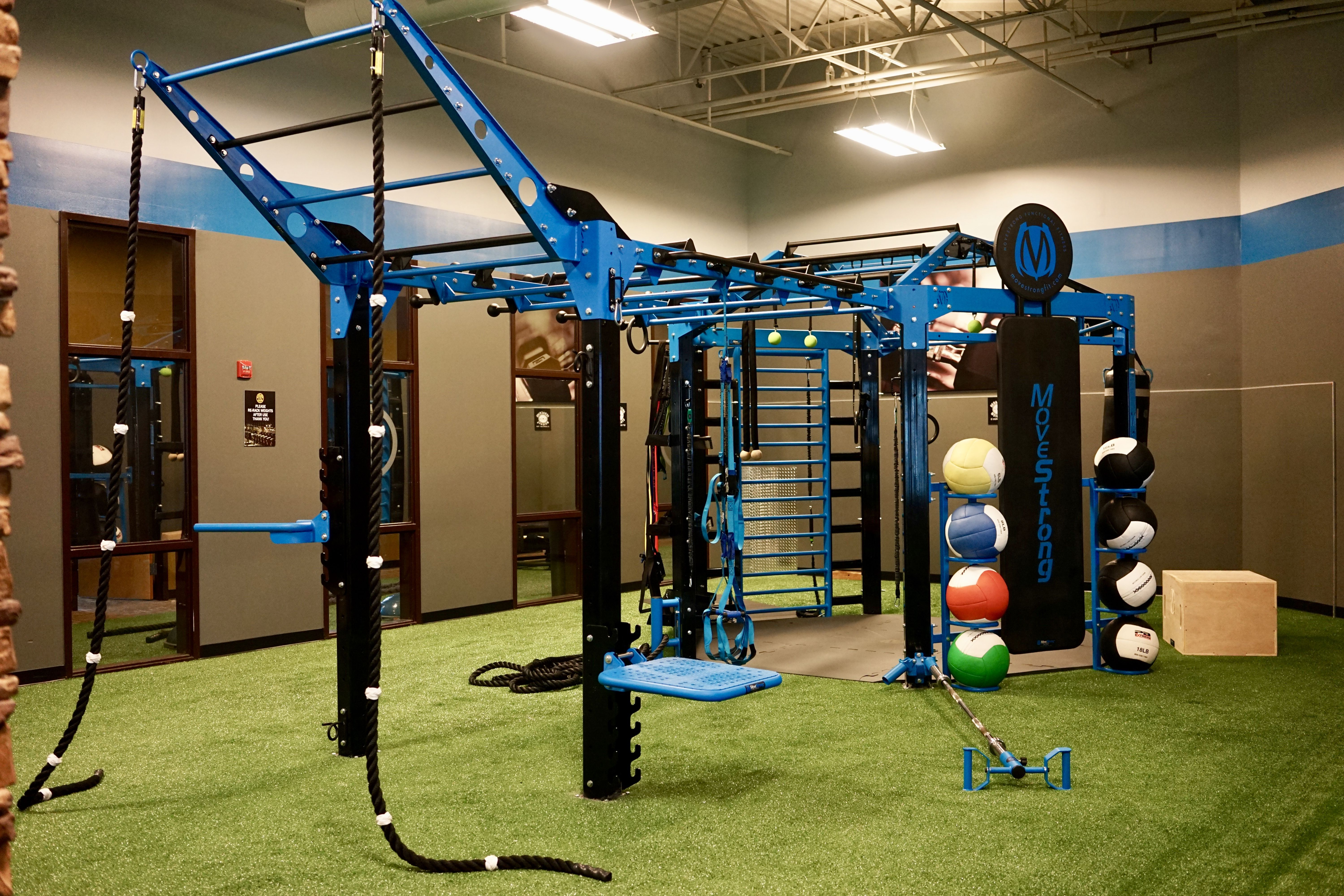 Movestrong nova 6 functional training station with extended monkey