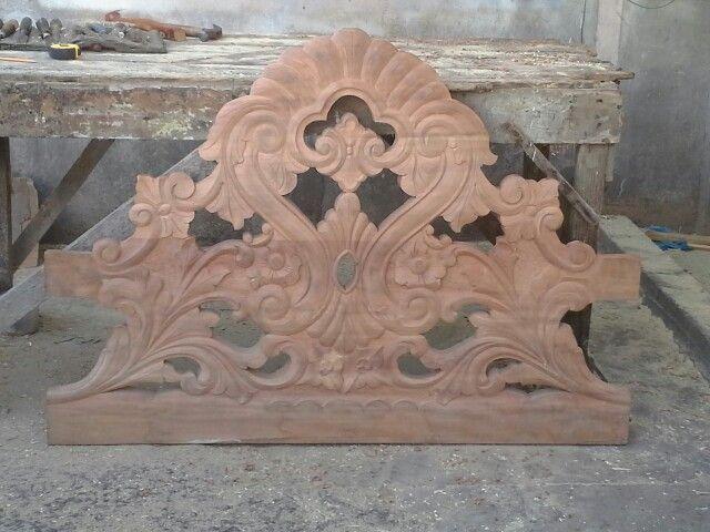Bedhead wood fruniture jamaican bed head lion sculpture