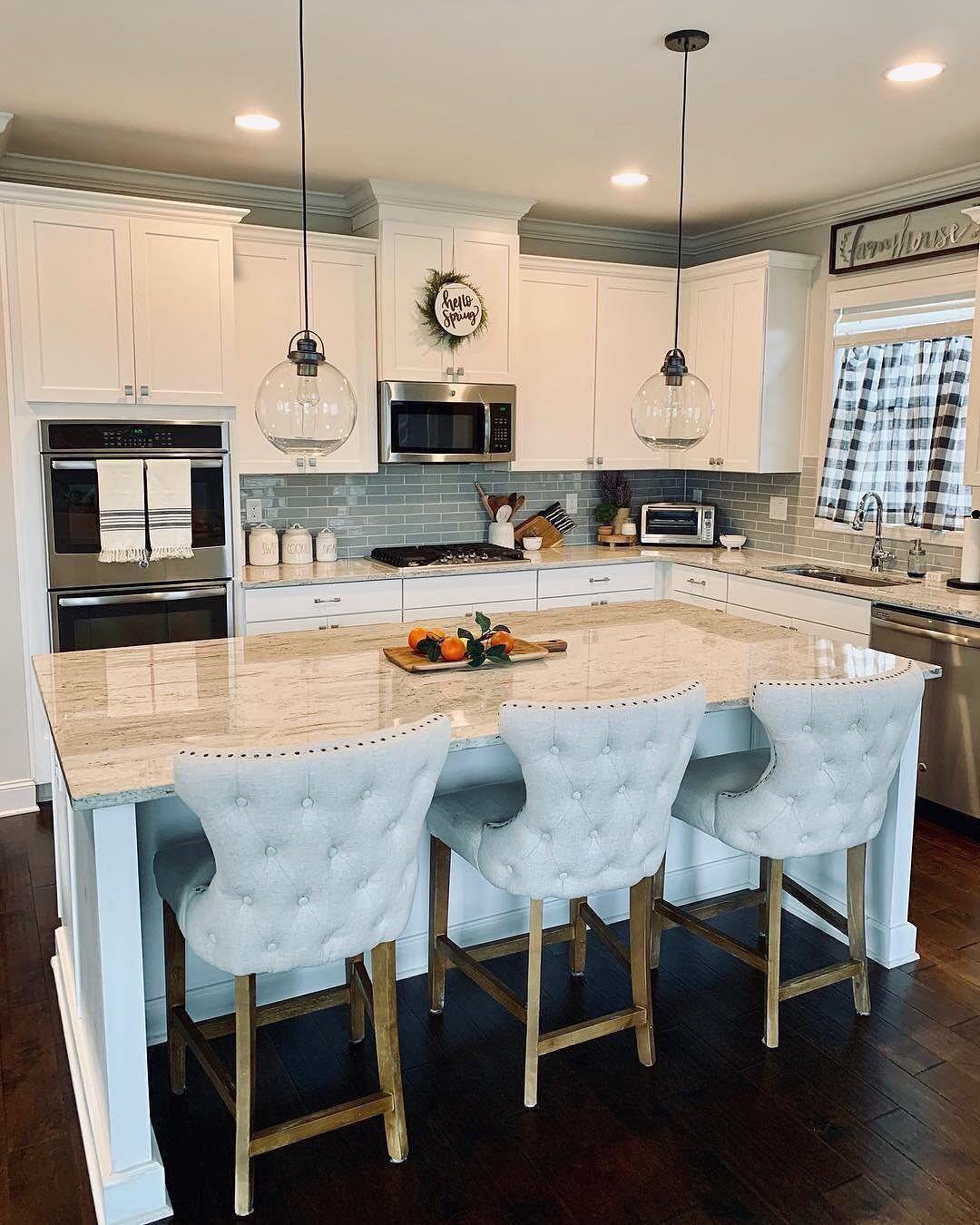Wayfair On Instagram Casagrella S Glimmering Kitchen Island And