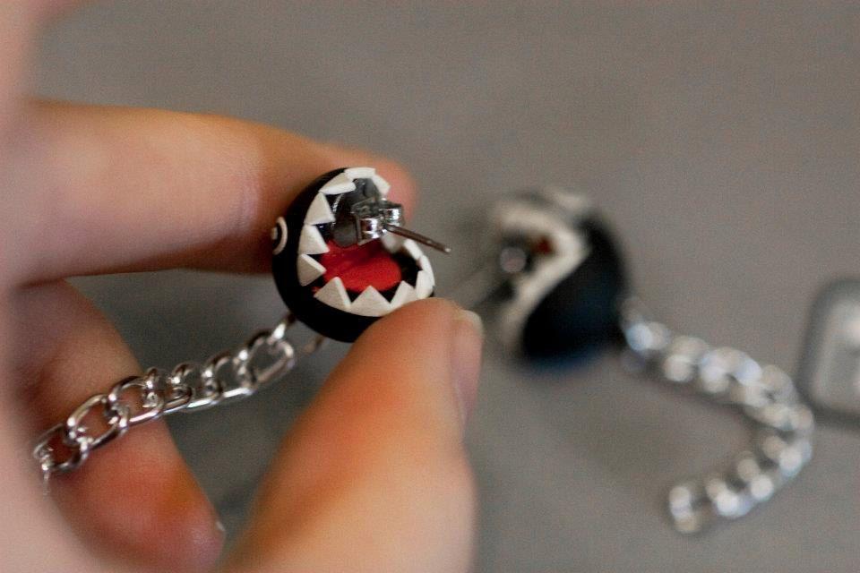 chain chomp earrings fashion etc mario