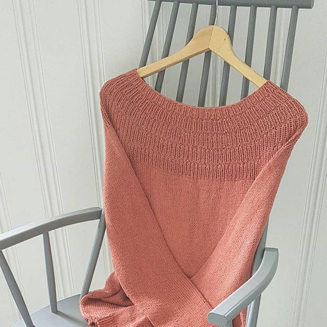 View frokenstrikkepinne's Instagram ~Ankerstrøjemysize~ Oppskriften er fra flinke @petiteknit Garn fra @lykkelighandel #ankerstrøjemysize #petiteknit #sandnesgarn #lykkelighandel #sandnesgarnline #egostrikk #knitting_inspiration #knit #knitting #knitted #knittersofinstagram #instaknit 1579194328491077136_1477005757