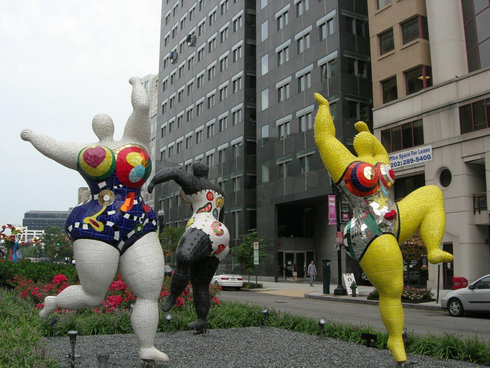 Niki de Saint Phalle - Three Graces