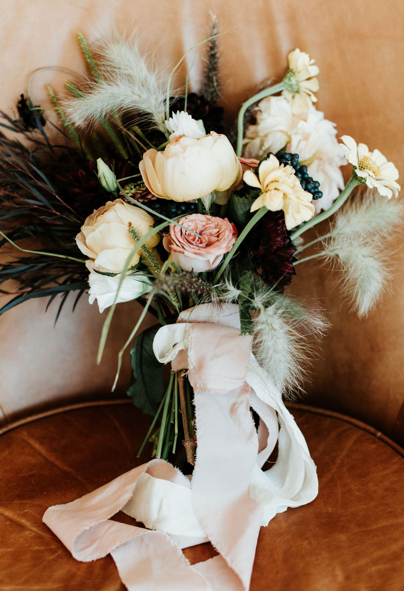 Rugged Relaxed And Urban An Autumnal Wedding In A Catskills Lodge