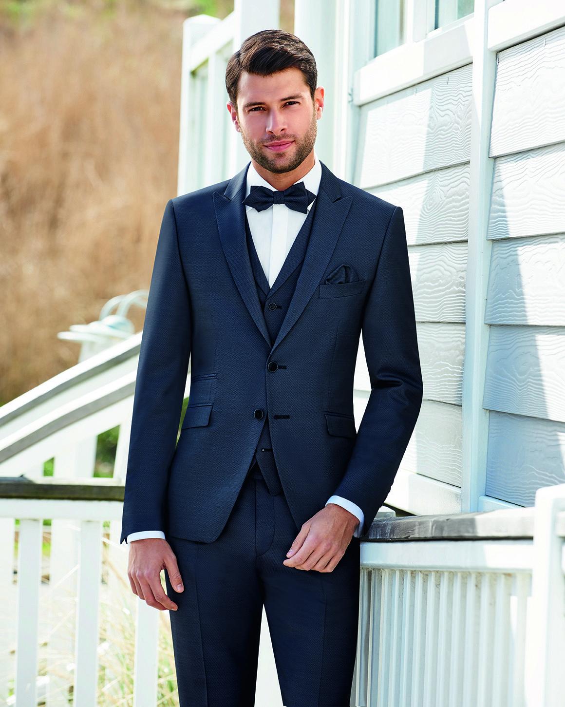 e96e17412 Klassisch eleganter Anzug in Mitternachtsblau aus der Wilvorst After Six  Kollektion 2018 #anzugträger #mensfashion #menstyle #menswear #männermode  ...