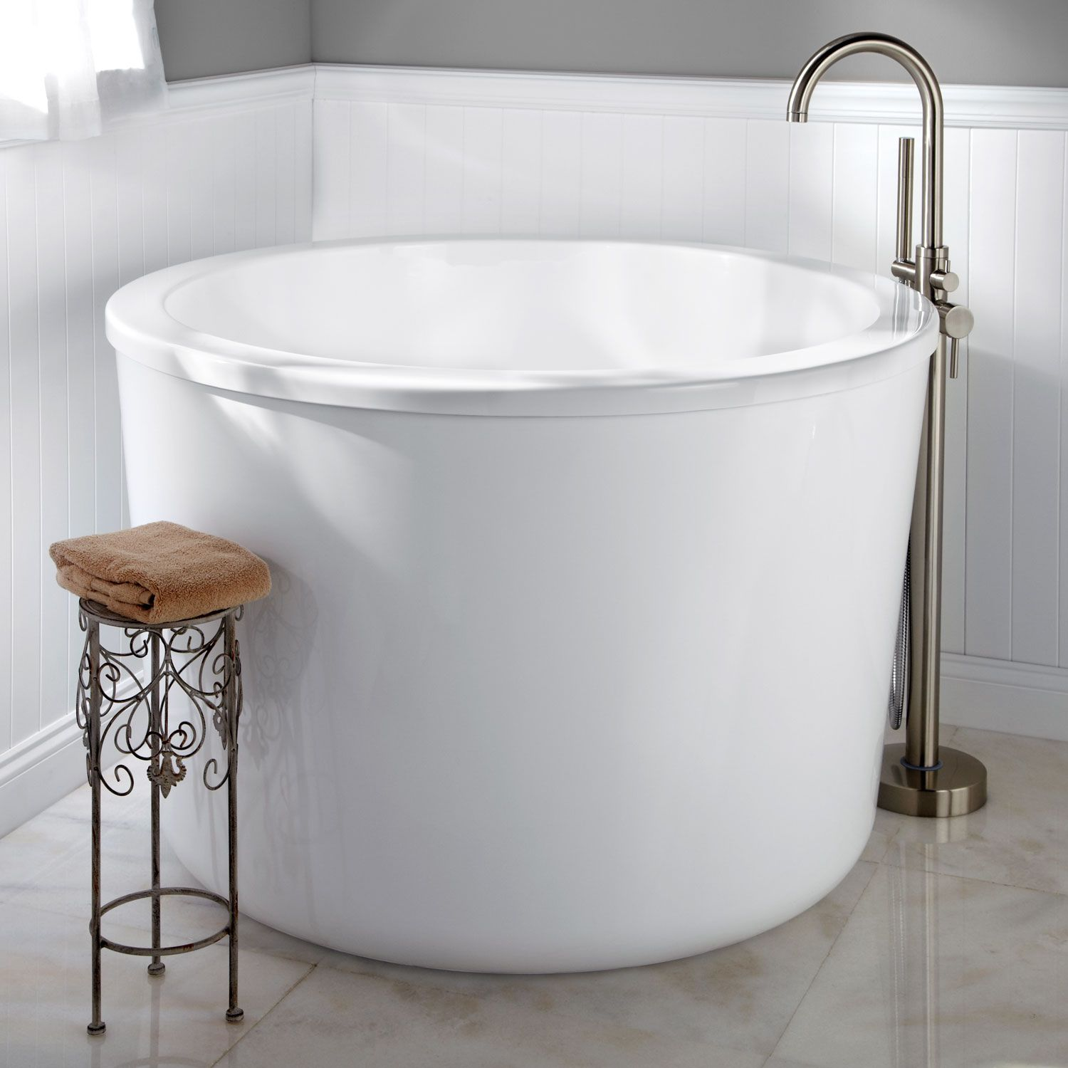 "41"" Siglo Round Japanese Soaking Tub"
