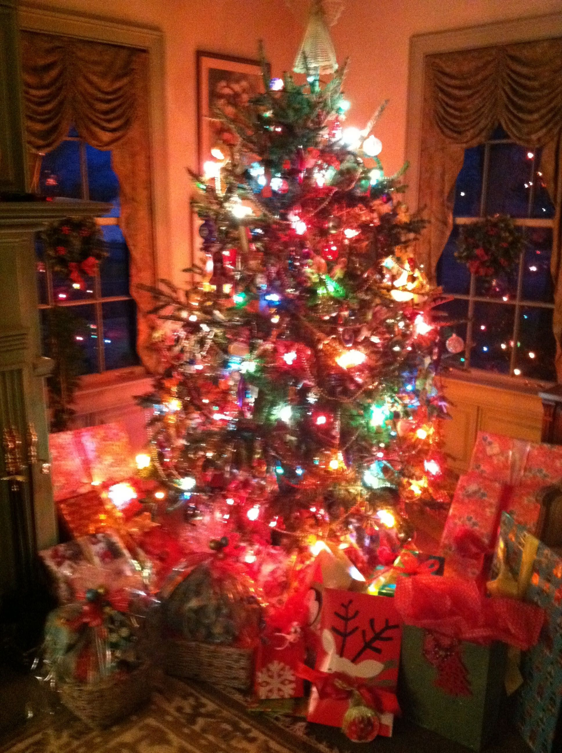 Our traditional tree at my parents' home--Christmas Eve 2011. Posted on Dr.Lill.com | Merry ...