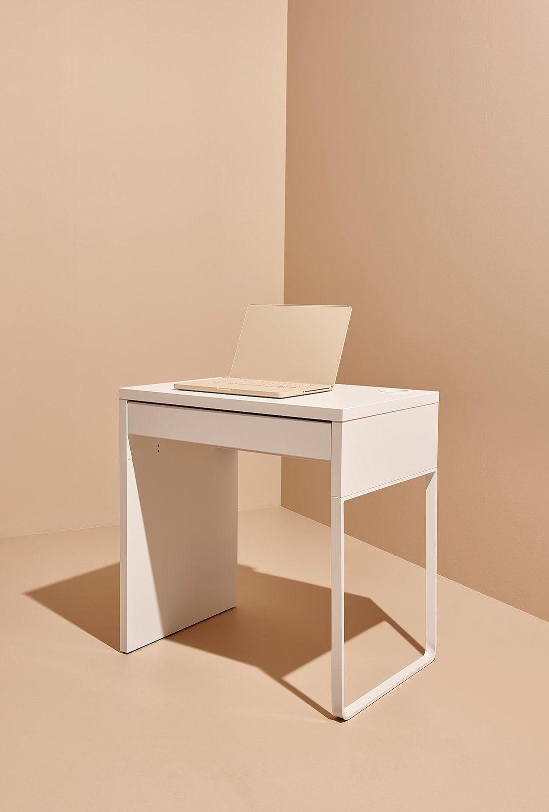 Micke Desk White 28 3 4x19 5 8 Ikea In 2020 Micke Desk White Desks Ikea White Desk