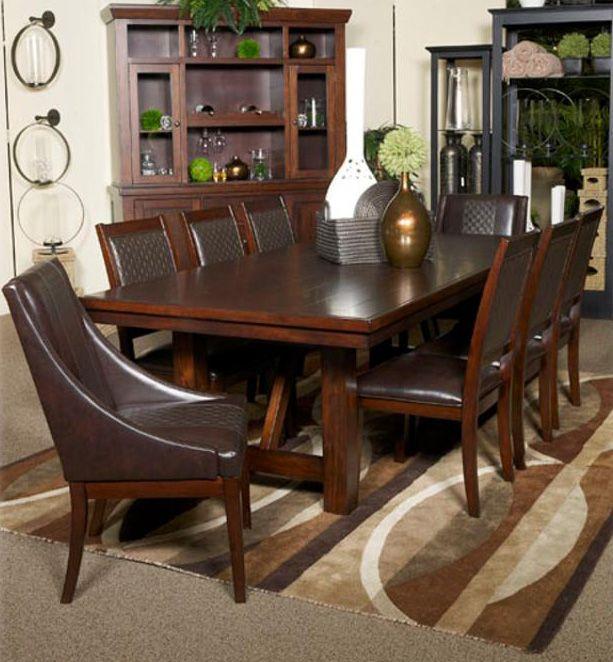 Table de salle à manger - 175,00$ Légèrement endommagé Collection