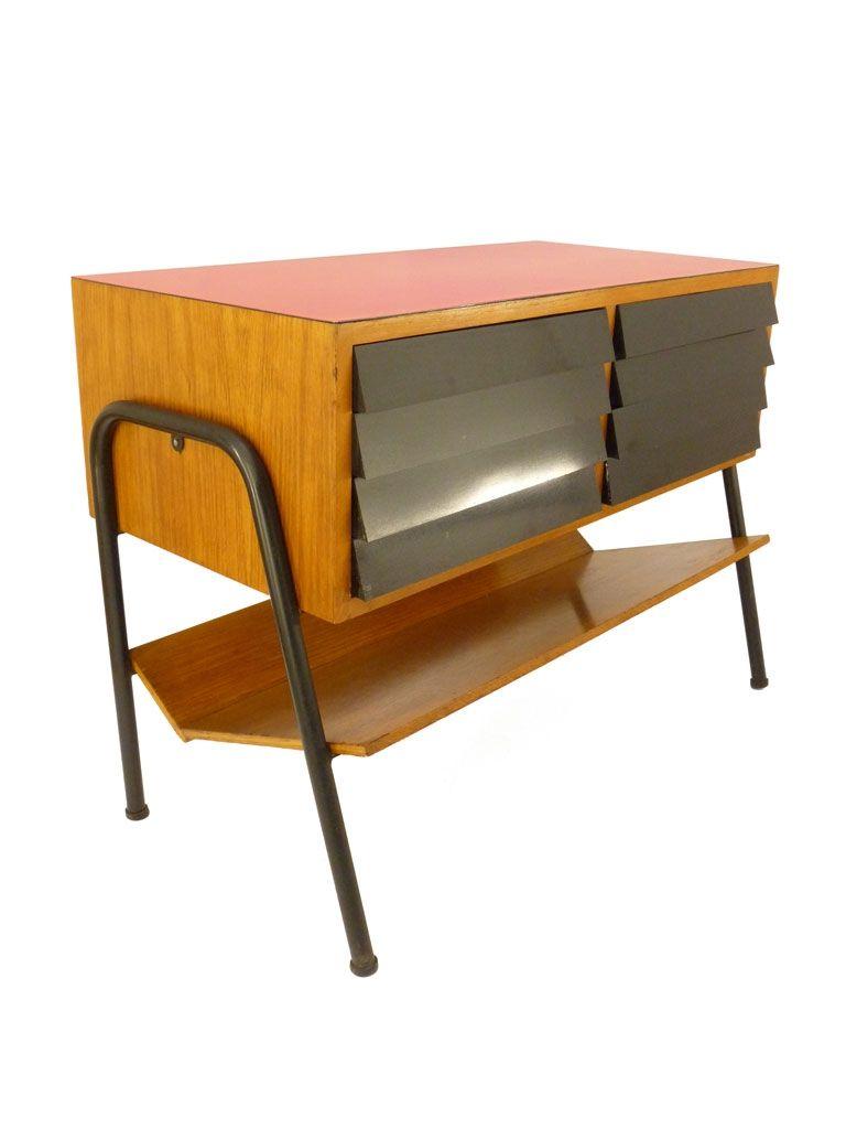 petit meuble de rangement manufrance des ann es 50 servait ranger les disques vinyles l. Black Bedroom Furniture Sets. Home Design Ideas