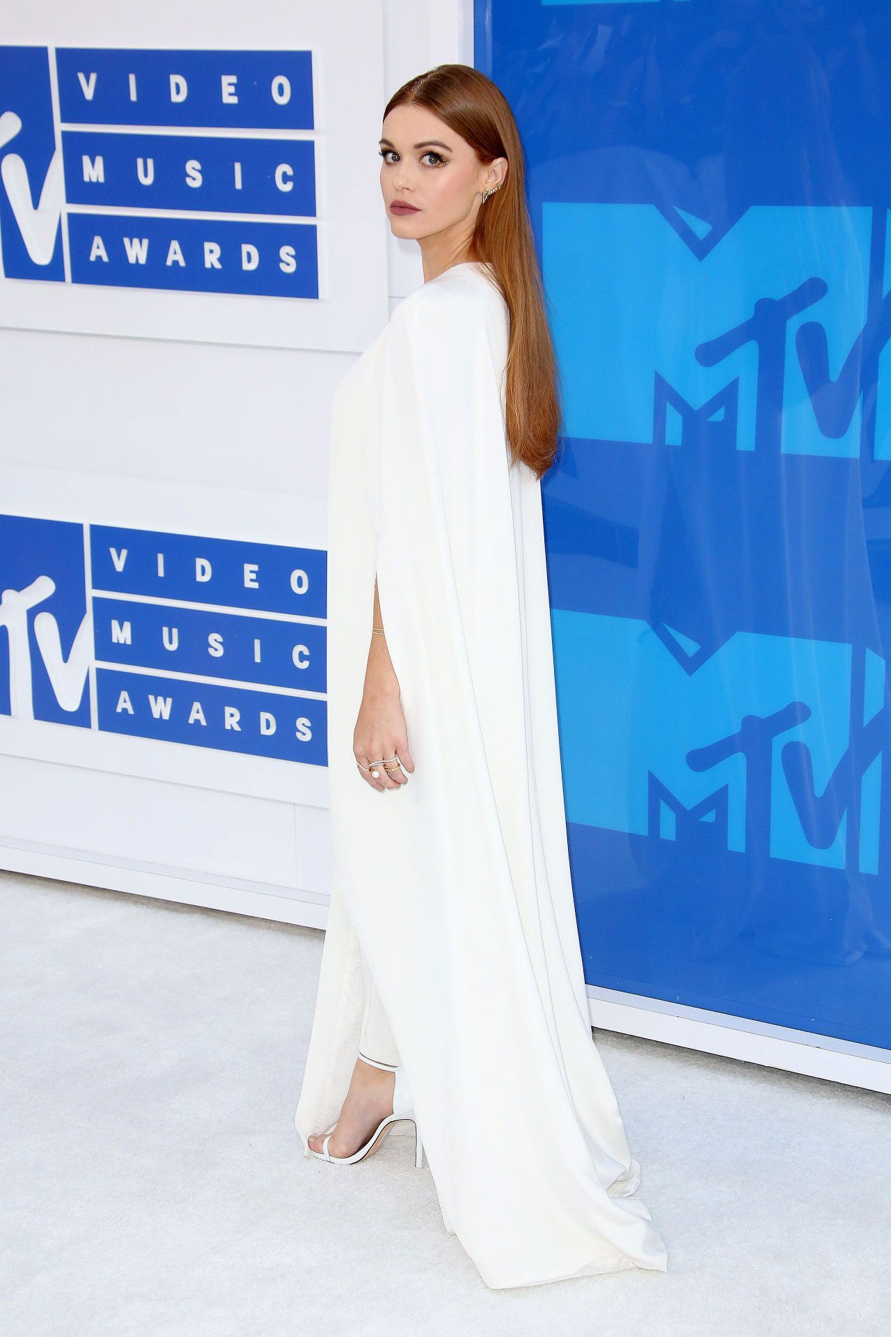 Holland Roden In Kayat At 2016 Mtv Video Music Awards In New York City