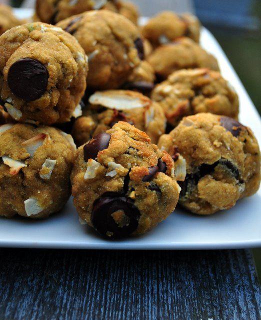 Avocado Coconut Cowboy Cookies | What Runs Lori
