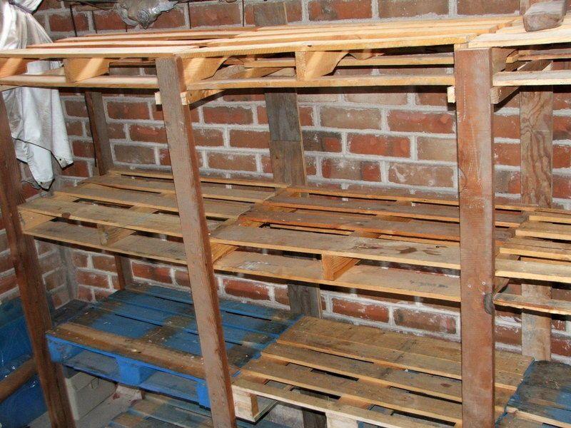 Te explicamos como hacer sof s camas estanter as mesas - Estanterias con palet ...