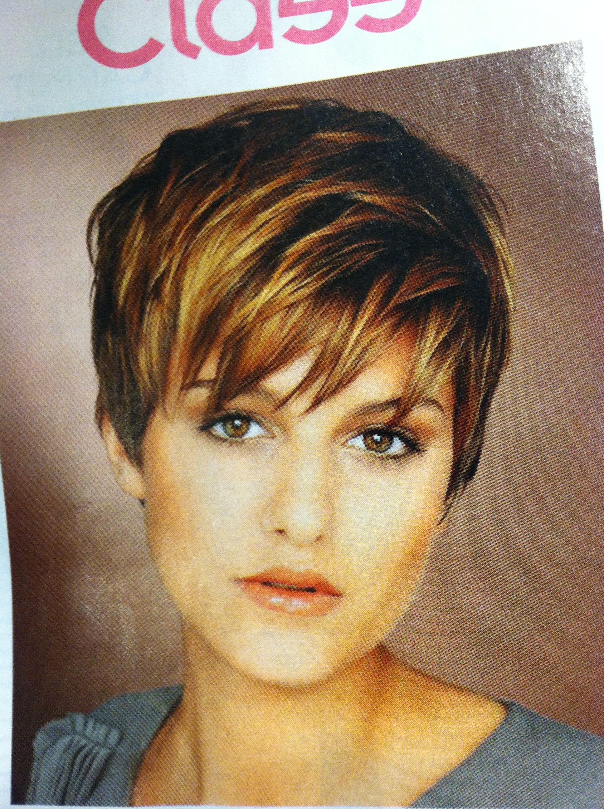 Pixie haircut from magazine Cheveux courts bruns