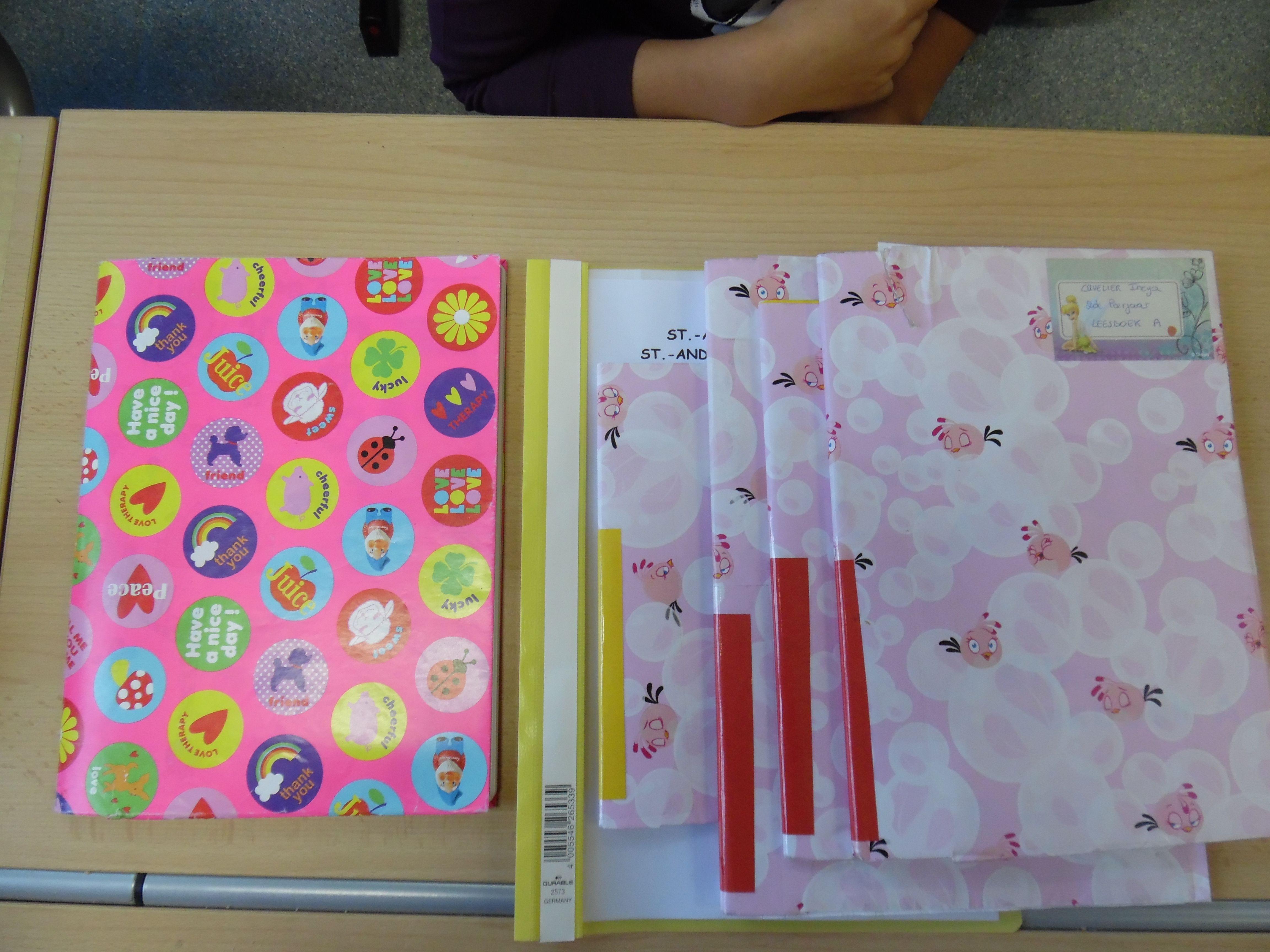 Schoolmaterialen gekleurde rug per vak
