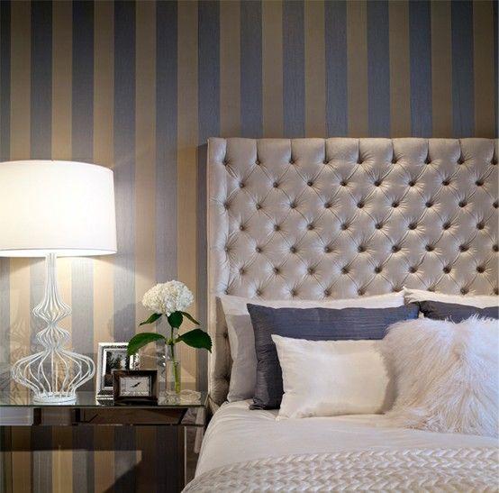 die besten 25 streifen tapete ideen auf pinterest gestreifte tapete gestreifter flur und. Black Bedroom Furniture Sets. Home Design Ideas