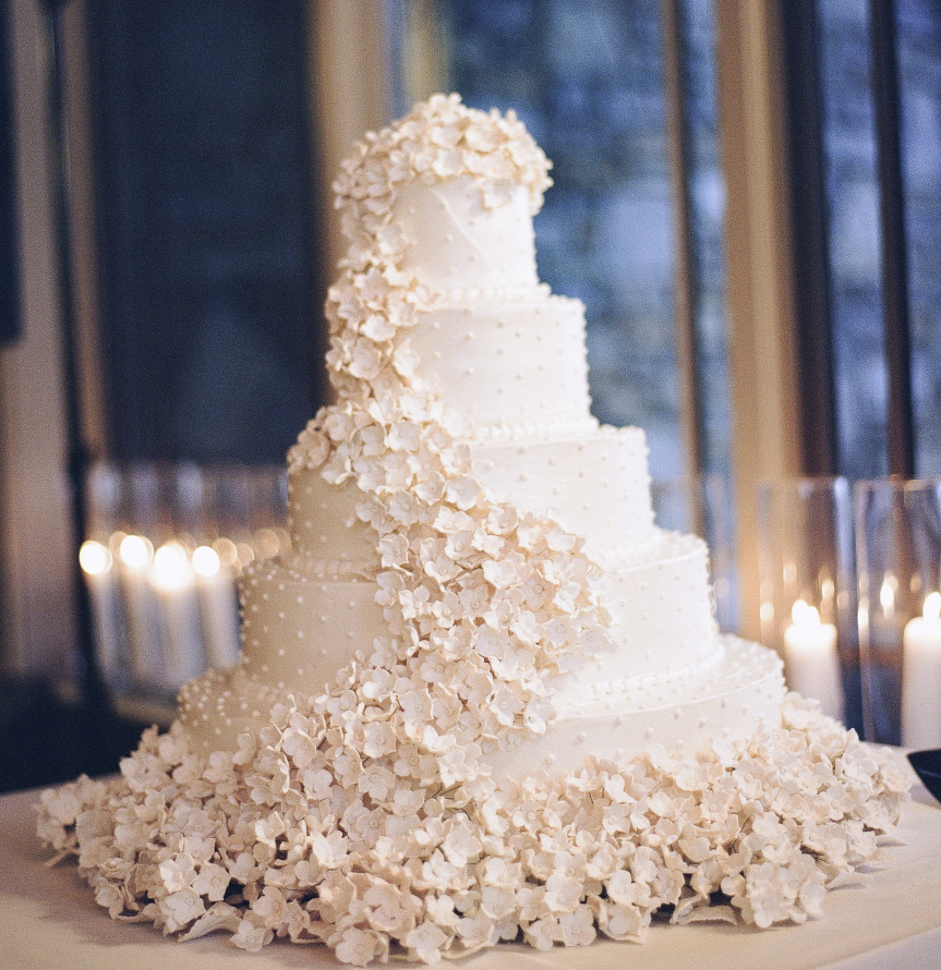 20 Most Jaw Droppingly Beautiful Wedding Cakes of 2013   Wedding     wedding cake ideas 9 122413