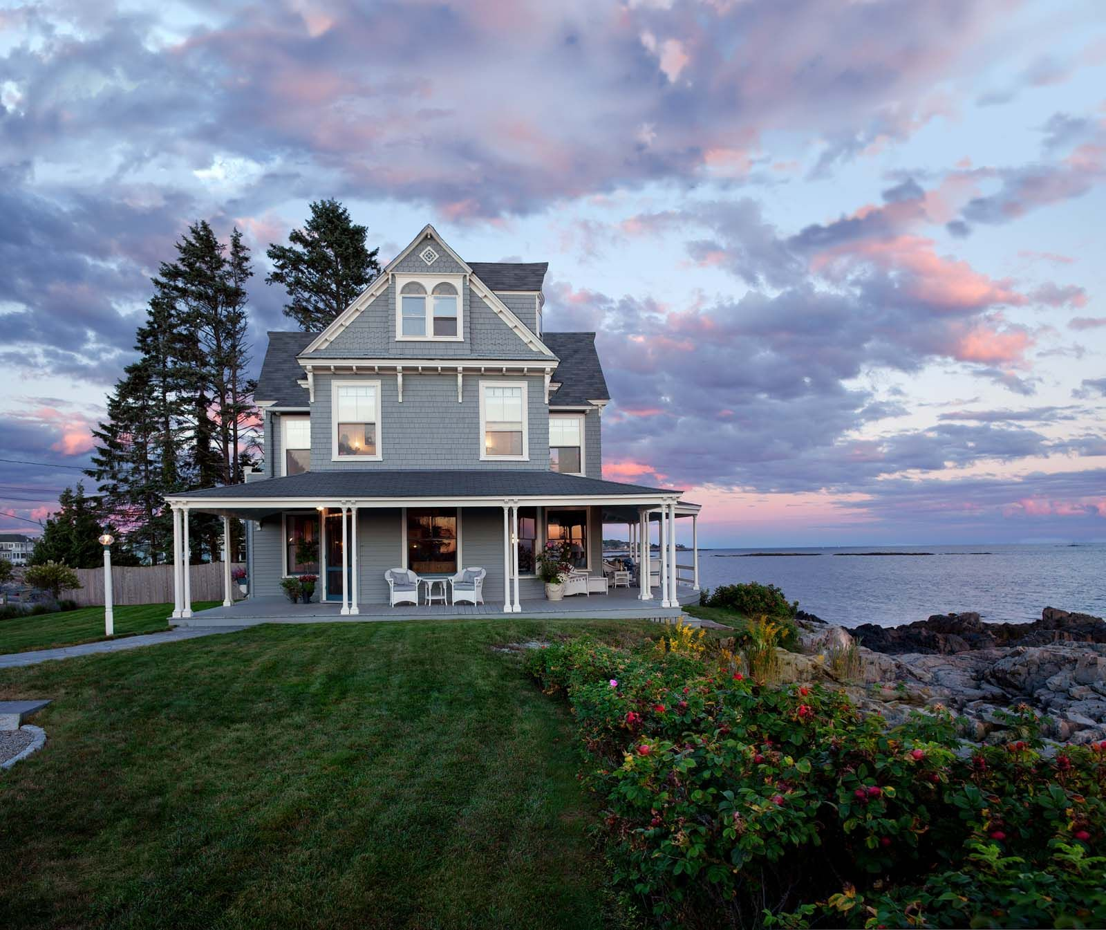 Beauty And The Beach Maine Home Design Tiny Beach House Maine House Victorian Homes