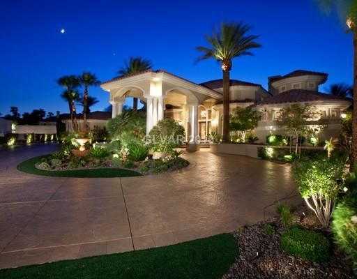 Round Driveway With Portico The Dream Home Pinterest