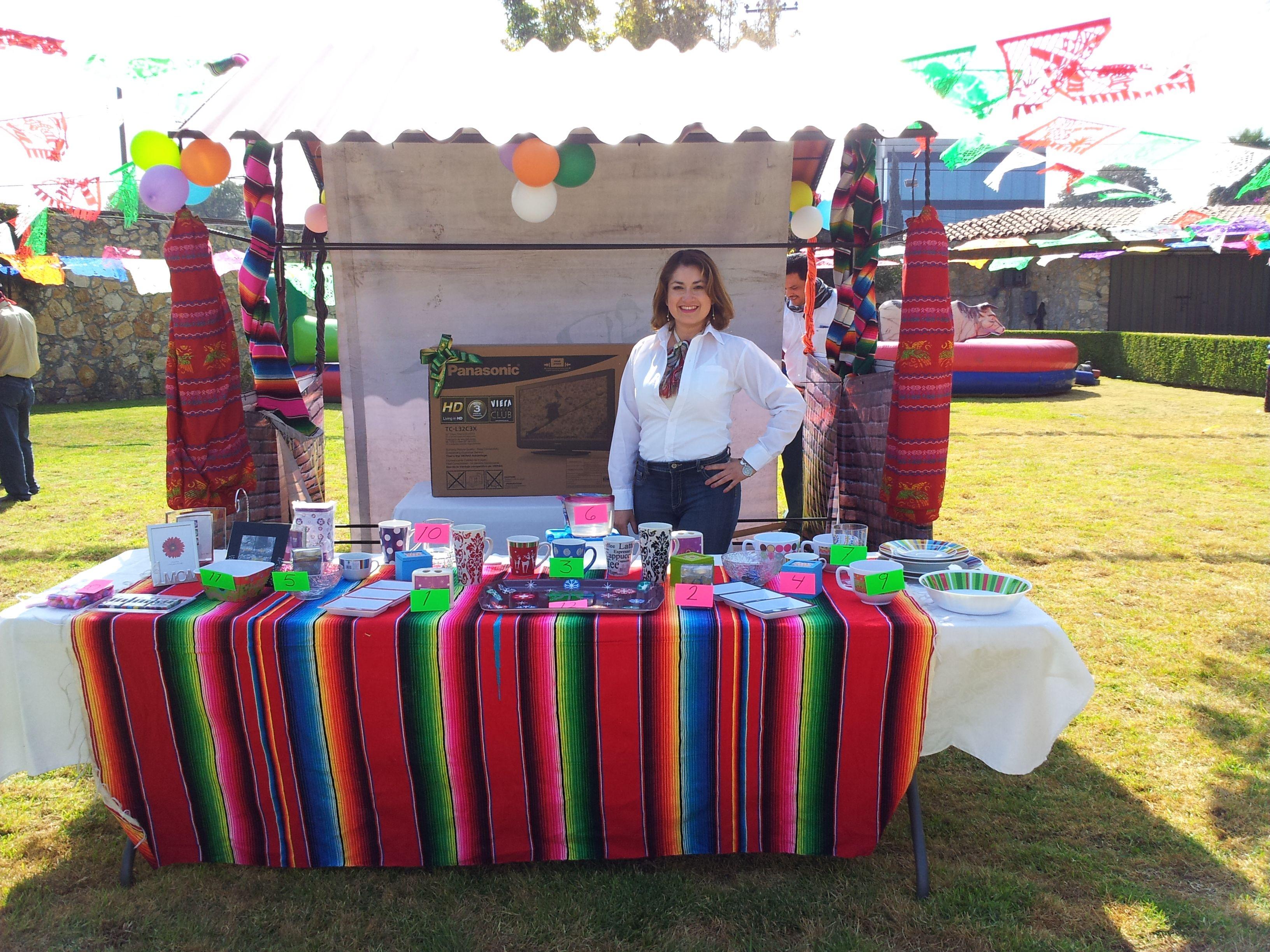 La mesa de los premios feria mexicana con juegos de destreza pinterest premios mesas y for Decoracion kermes mexicana