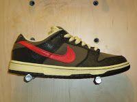 2ca51aa591b8 Nike Dunk Low Premium SB - black   atom red