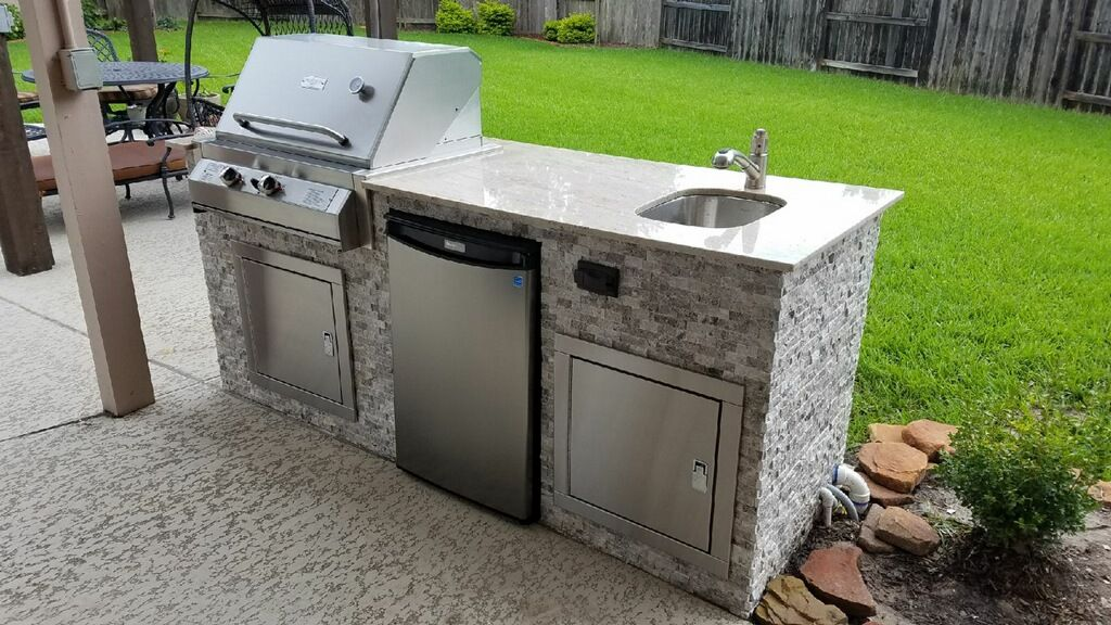 Gas Grill Outdoor Kitchen With Beautiful Stone Designed And Built By Texas Pit Crafters Industrial Livingroom Industrial Interiors Industrial Kitchen Lighting