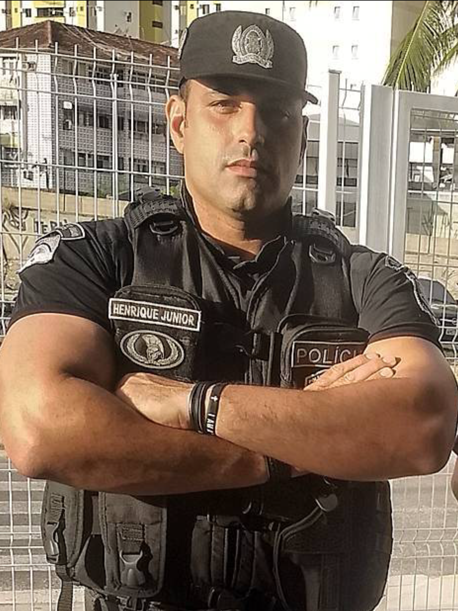 uniform hunk