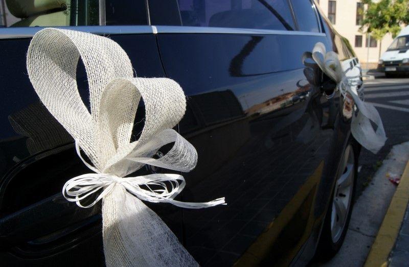 Blanco de bodas bucle bucle antenas bucle auto bucle auto boda puerta