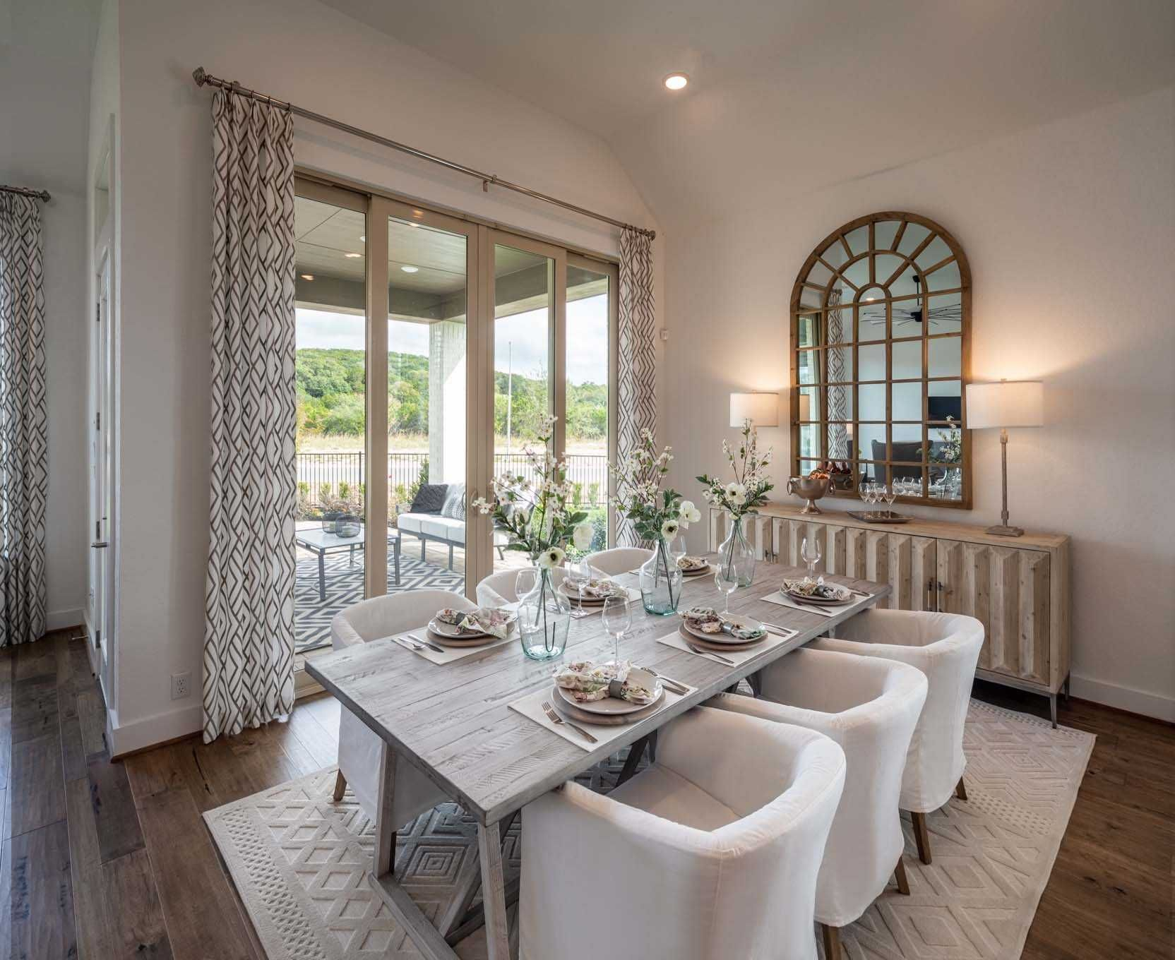 Dining Area In Highland Homes 216 Plan At 17906 Cantera Court San