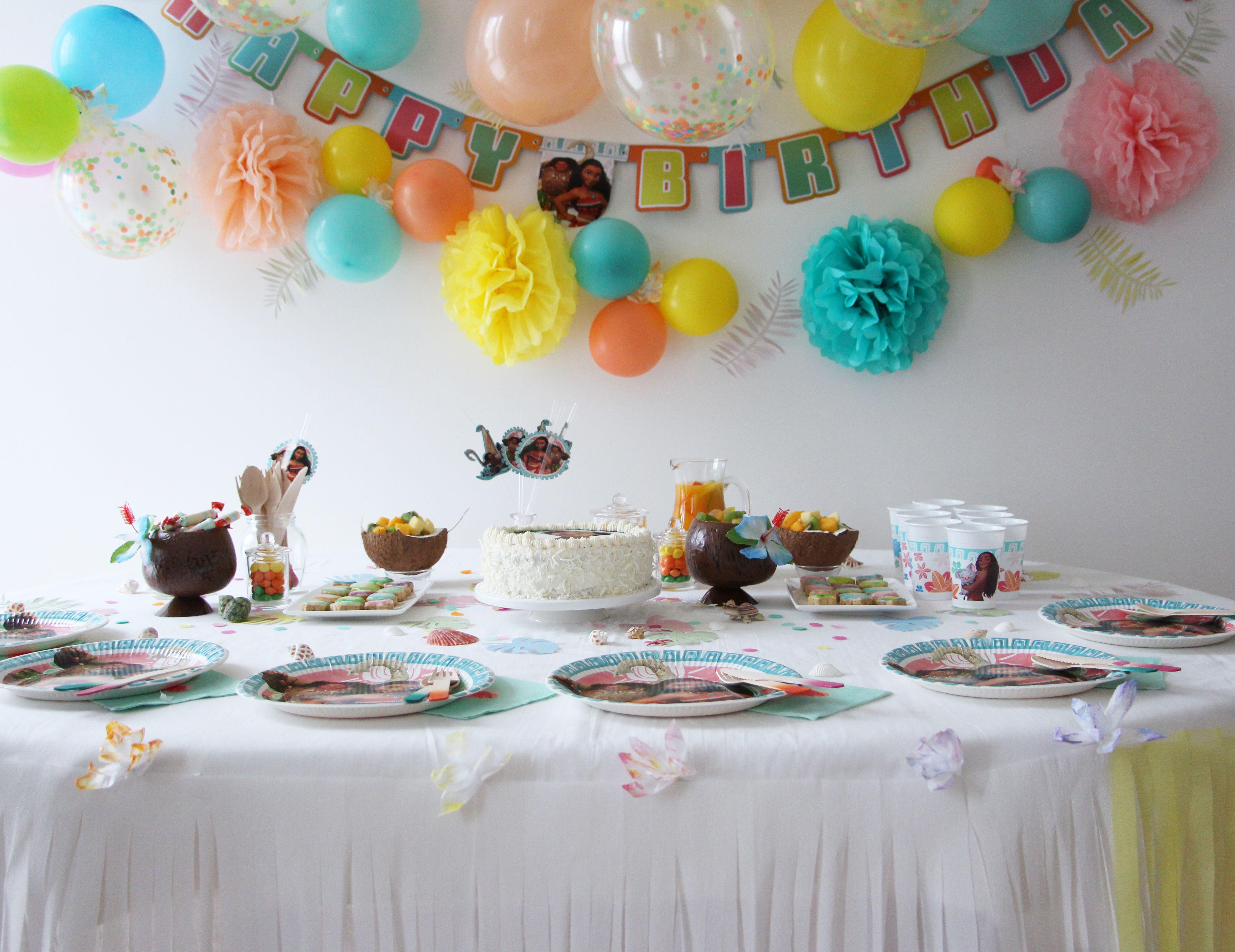 pingl par vegaooparty sur anniversaire vaiana pinterest cake pops. Black Bedroom Furniture Sets. Home Design Ideas