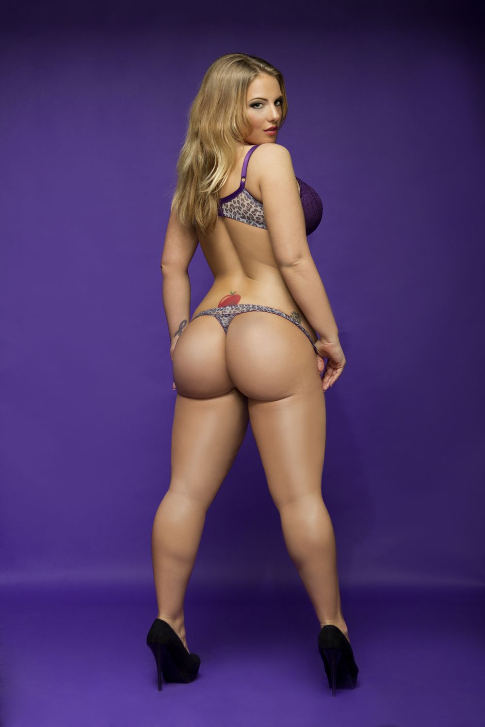 Girl sex naked thick booty model