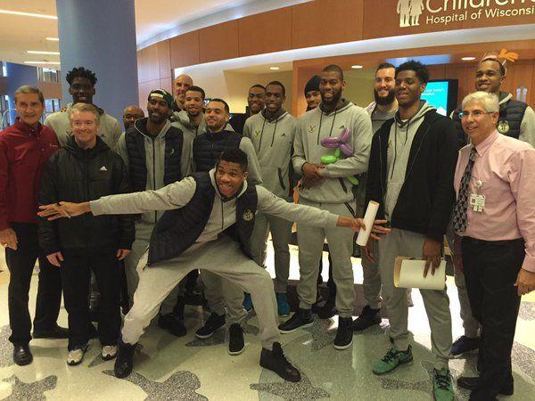 LeBron James to mentor LeBron James' lite? - http://www.sportsrageous.com/nba/lebron-james-mentor-lebron-james-lite/15503/