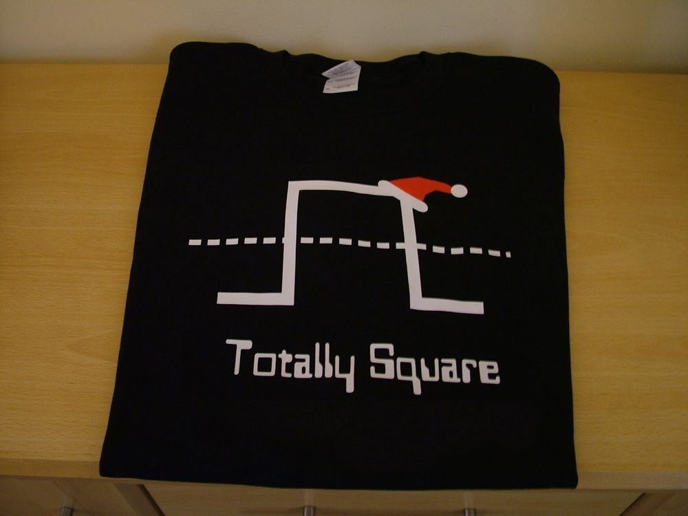 RETRO SYNTH T SHIRT christmas TOTALLY SQUARE DESIGN S M L XL XXL gift  filler
