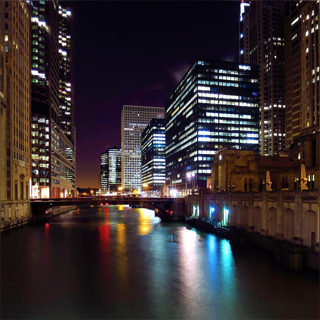 yeah it was not good idea to get out, but when you are out …. you are out; just in 40 minutes I was done with my life, like soooooo done ;) #SuperDuper #Cold #Chiberia #ExtremeCold #WindyCity #Chicago #ChicagoRiver #CityLights #ChicagoLoop #Pretty #Reflection #HappyMonday #January2016
