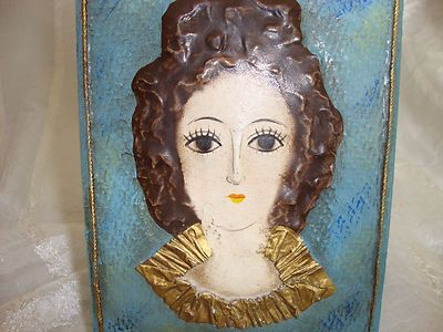 VINTAGE PAINTED WOOD SHABBY CHIC HINGED BOX WITH LADY'S FACE ON LID