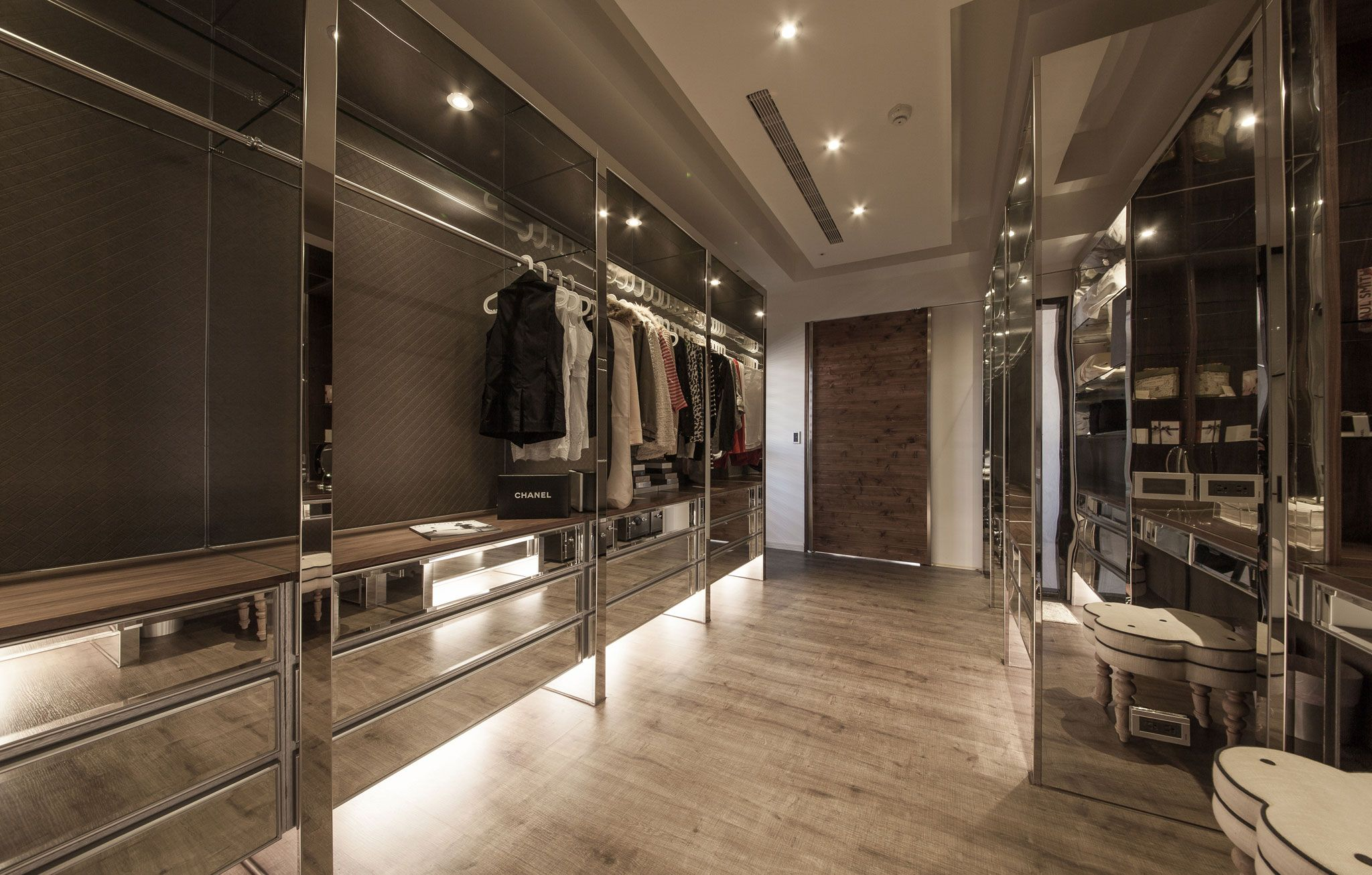 Loft Closet Ideas Minimalist Loftoliver Interior Design 25  Walk In Closet