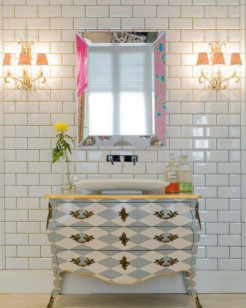 Ideas para renovar los revestimientos | Pared del baño ...