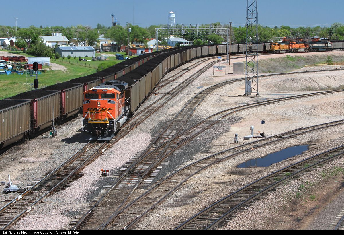 Railpictures net photo bnsf 8769 bnsf railway emd sd70ace for Railpictures