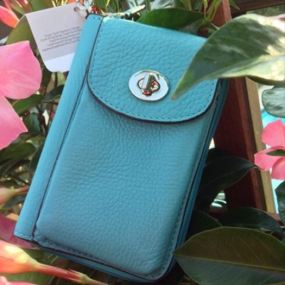 HOST PICKMust Have Turquoise Coach Wristlet Coach