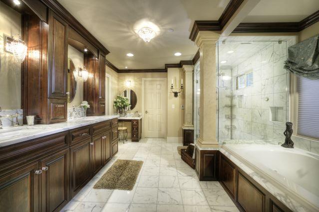 Huge bathroom with walk-in shower Welcome Home ) Pinterest