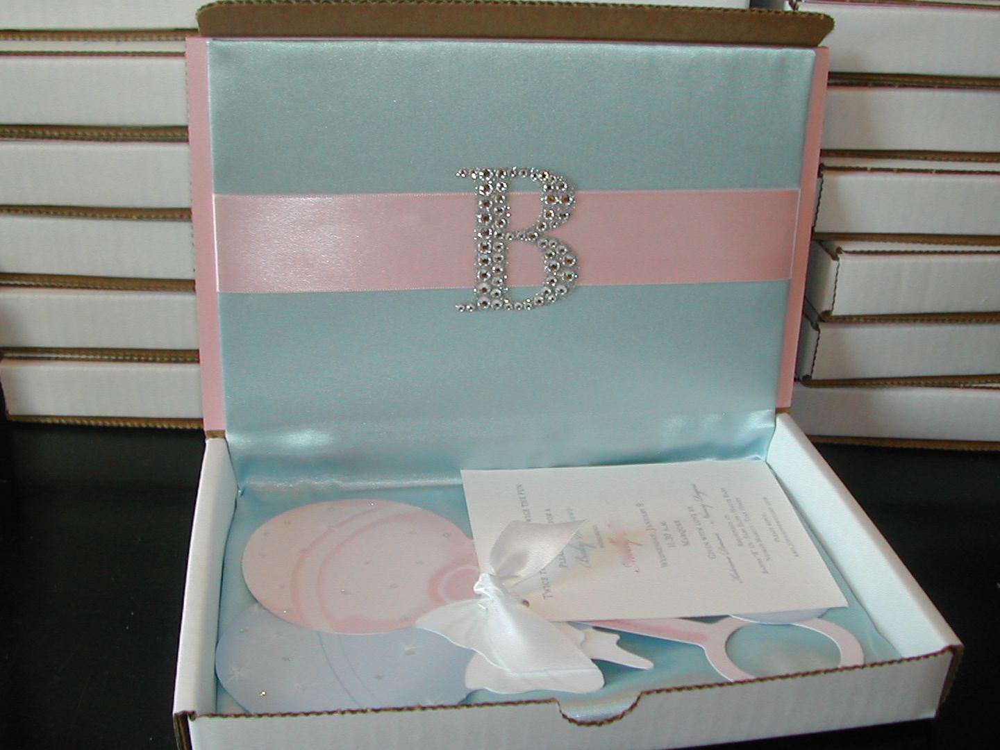 Boxed Baby Shower Invitation for Twins | Invitations baby showers ...