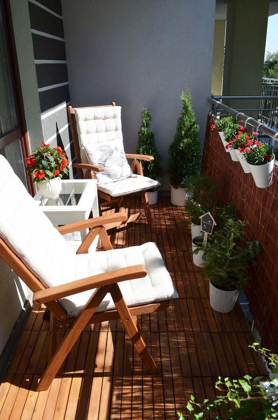30 ideias de decoração para varandas pequenas ou sacadas / Blog Bugre Moda / Imagem: Pinterest / Reprodução