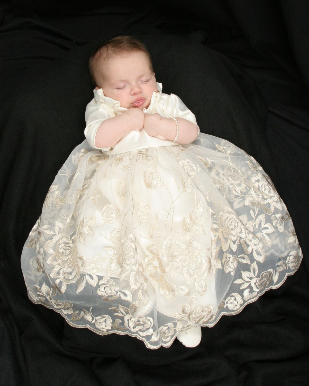 78 Best images about CHRISTENING GOWNS on Pinterest  Baby girls ...