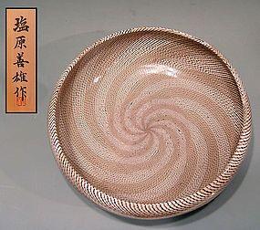 Impresionante Nerikomi Hachi por Shiobara Yoshio, Expuesto