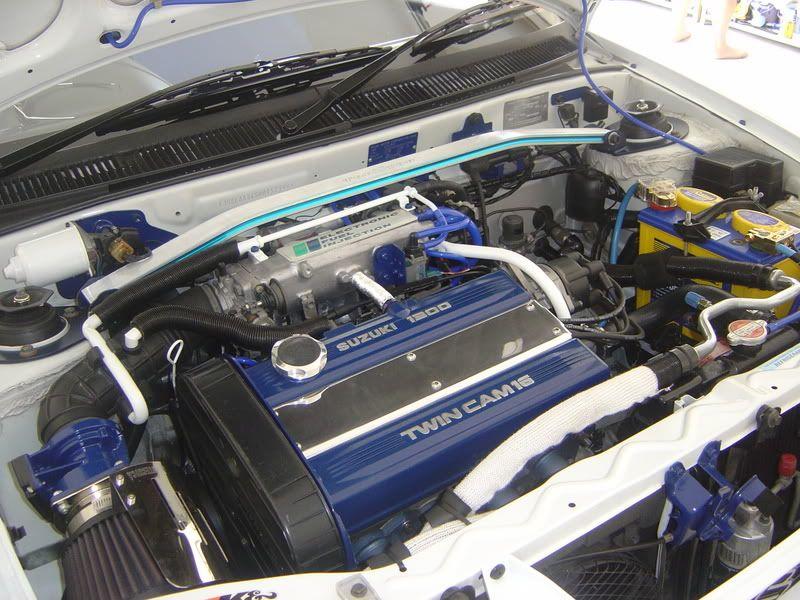 Engine Bay Suzuki Swift GTI